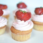 strawberryvanillacupcakes1